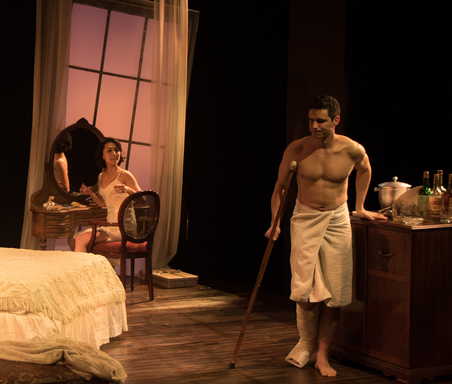 cat on a hot tin roof reviewed by rob stevens haines his way linda park and daniel bess all photos by steven c kemp