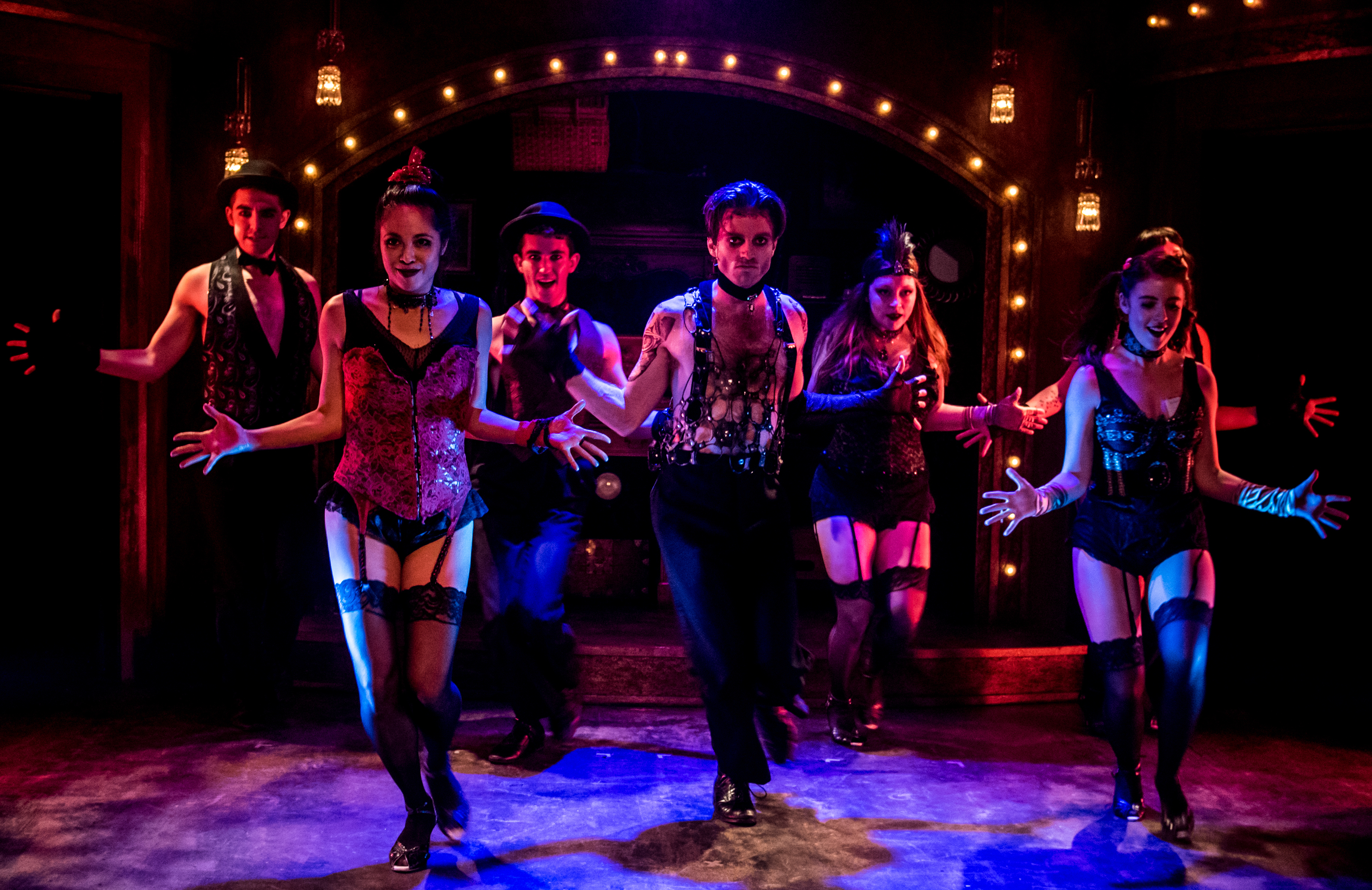 Review: Cabaret (Broadway in Chicago) : Chicago Theater Beat